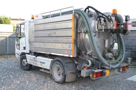 servizi ecologici pulizia fognature spurgo pozzi neri Pontedera